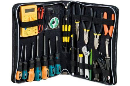 Trousse à outils avec multimètre digital
